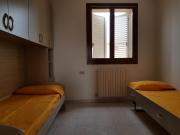 Camera con due letti singoli al secondo piano
